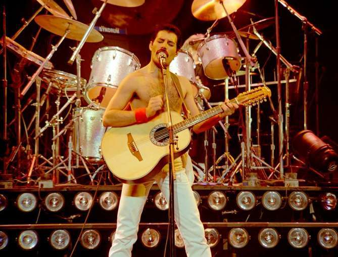 10 Fabulous Quotes By Freddie Mercury, HBD Mr. Showman!
