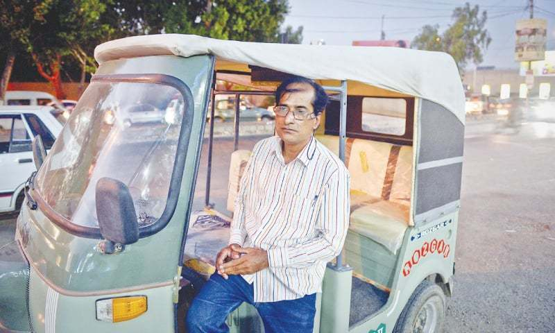 This Rickshaw Driver Sang So Well, Even Lata Mangeshkar Was All Praises For Him