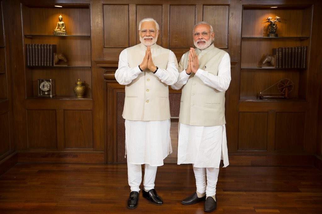 PM Modi 'Met' His Wax Statue And Twitteratti Went Crazy With Memes